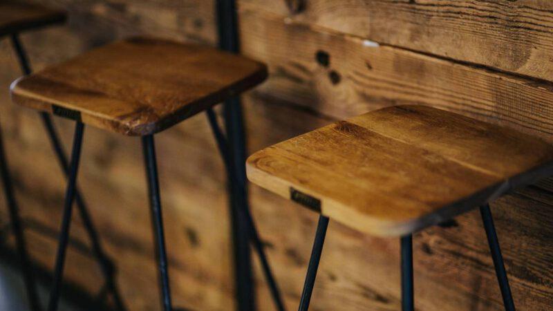 Jakie drewniane meble wybrać do kuchni?